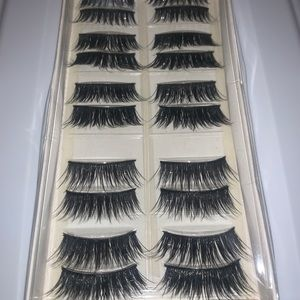 Nylon Eyelash Set w/ Glue